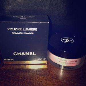 CHANEL Poudre Lumière shimmer powder